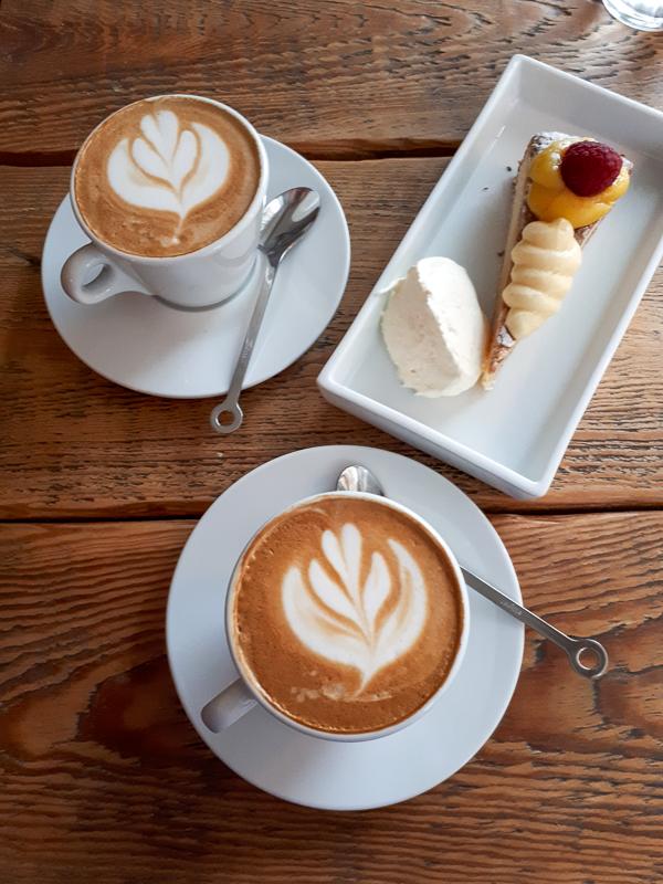 Foto: Kaffee und Kuchen