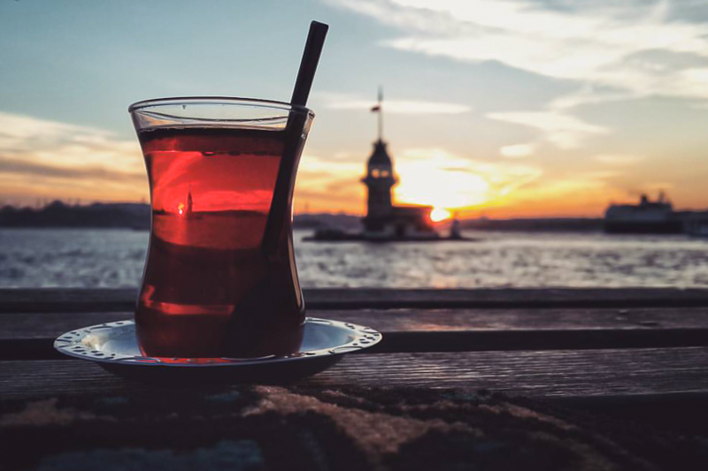Istanbul Teil 6 Sonnenuntergang mit Getränk