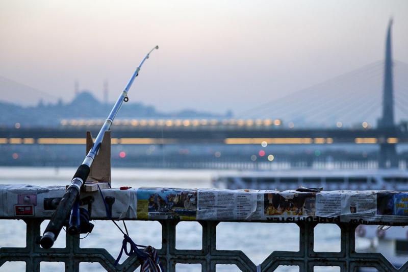 Istanbul Teil 6 Angeln mit Brücke
