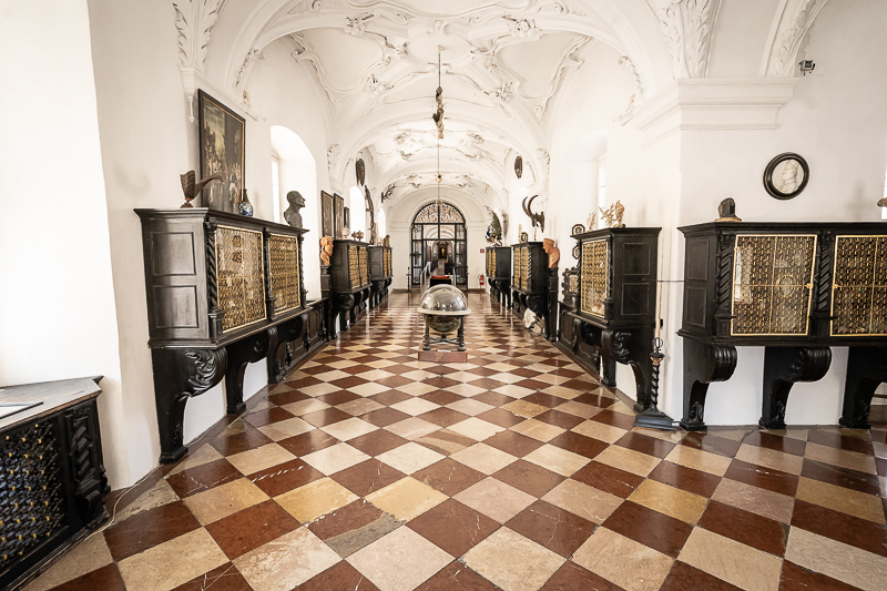 Kunst- & Wunderkammer